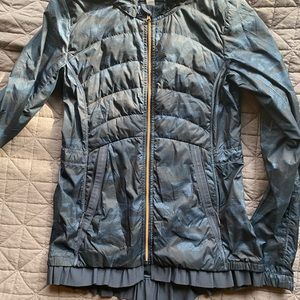 Lululemon spring fling blue camo jacket